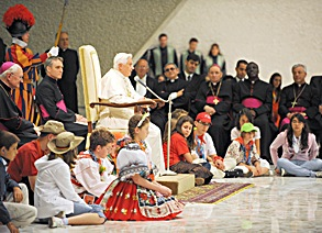 Benoît XVI avec des enfants