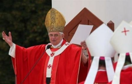 Benoît XVI à Lourdes