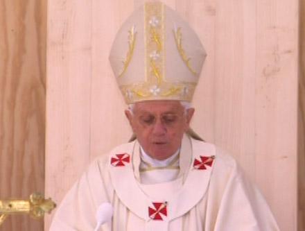 Benoît XVI aux Invalides lors de sa visite en France