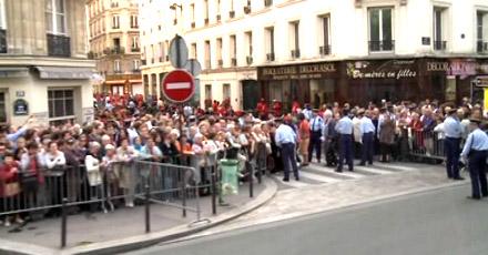 Benoît XVI dans les rues de Paris