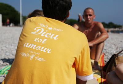 Evangélisation de plage lors du festival Anuncio